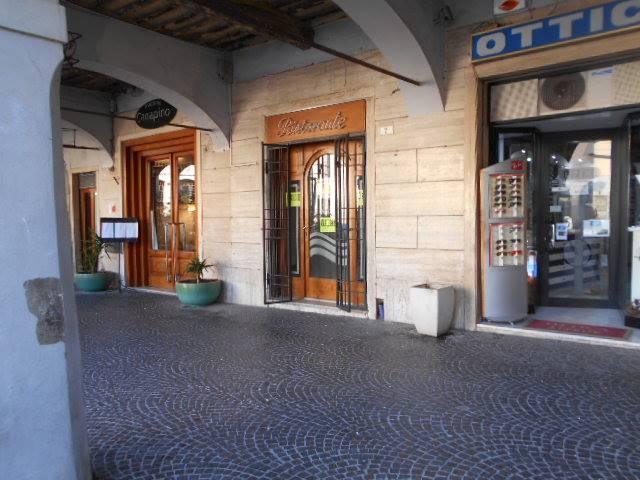 Negozio / Locale a Grosseto in Affitto