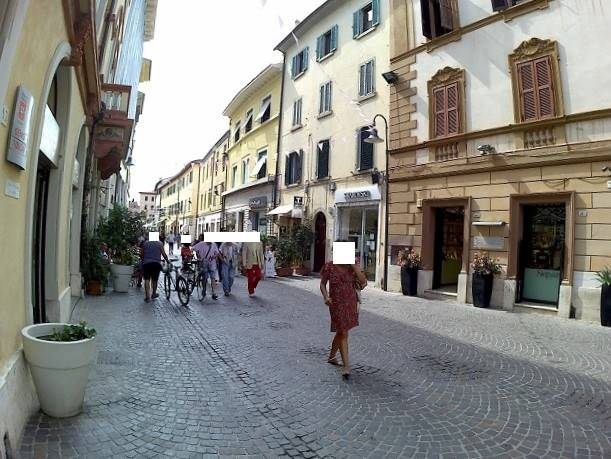 CENTRO STORICO, GROSSETO, Shop for rent of 60 Sq. mt., Good condition, Energetic class: G, placed at Ground, composed by: 1 Room, 1 Bathroom, Price:
