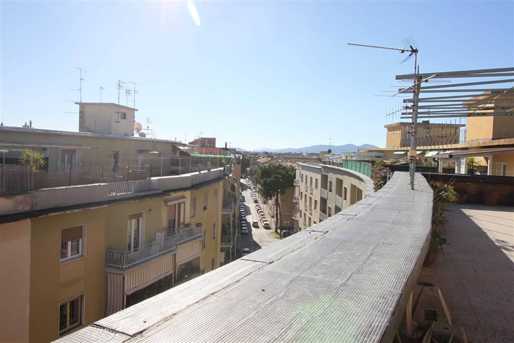 CENTRO CITTÀ, GROSSETO, Dachwohnung zu verkaufen von 228 Qm, Renovierungsbeduerftig, Heizung Zentralisiert, Energie-klasse: G, Epi: 141,998 kwh/m2