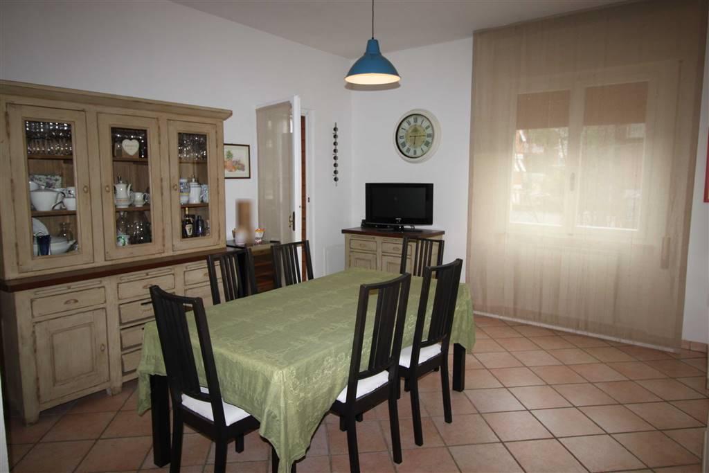 GORARELLA, GROSSETO, Wohnung zu verkaufen von 125 Qm, Renoviert, Heizung Unabhaengig, Energie-klasse: E, Epi: 111,7 kwh/m2 jahr, am boden 2° auf 3,