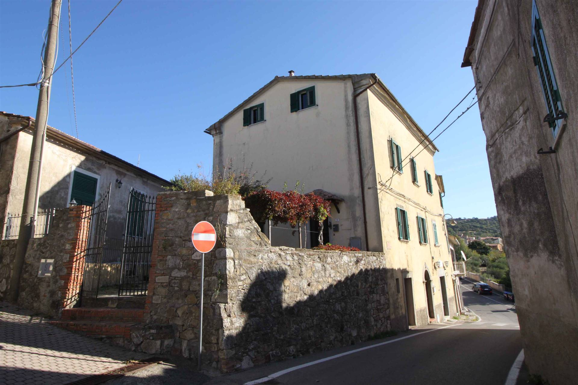 VALLERONA, ROCCALBEGNA, Independent Apartment for sale, Be restored, Heating Individual heating system, Energetic class: G, Epi: 127 kwh/m2 year,