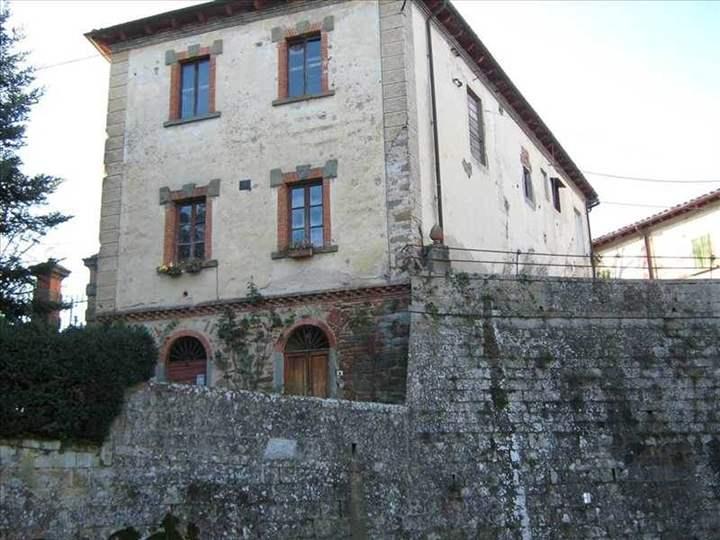Villa, Cancelli, Reggello, da ristrutturare