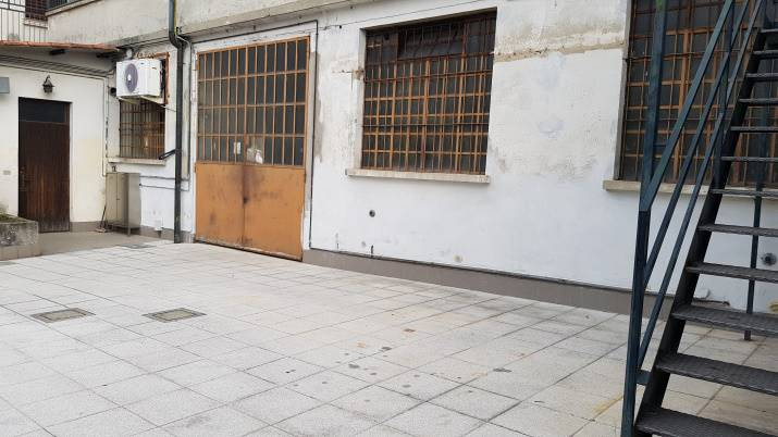 BRUGHERIO, Warehouse for rent of 68 Sq. mt., Energetic class: G, Epi: 312 kwh/m3 year, composed by: 1 Room, 1 Bathroom, Price: € 916