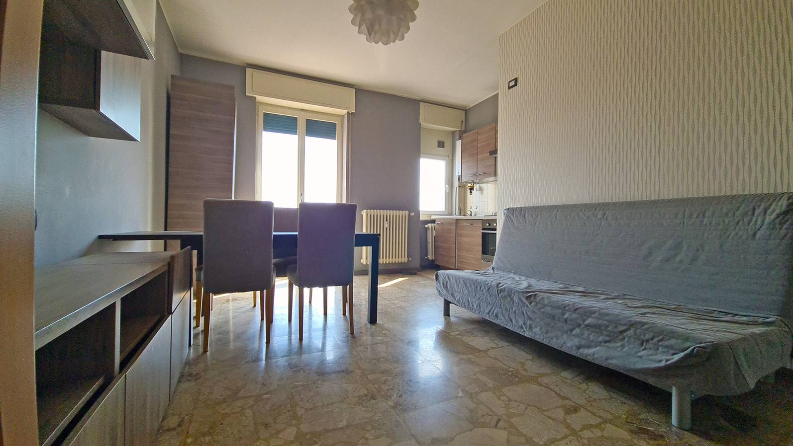 BRUGHERIO, Apartment for sale of 65 Sq. mt., Habitable, Heating Centralized, Energetic class: G, Epi: 254,63 kwh/m2 year, placed at 4° on 5, composed