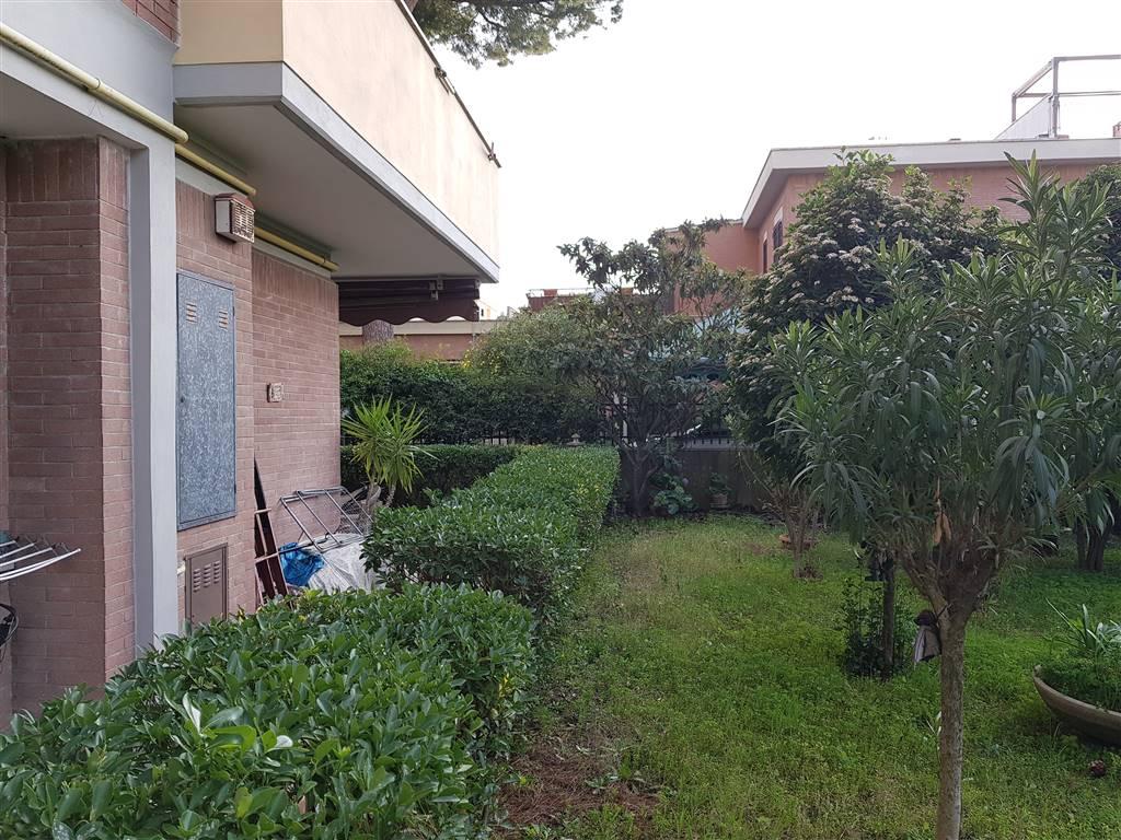 Trilocale in Via Del Fosso Dell'acqua Mariana  94, Torvergata,morena,romanina, Roma