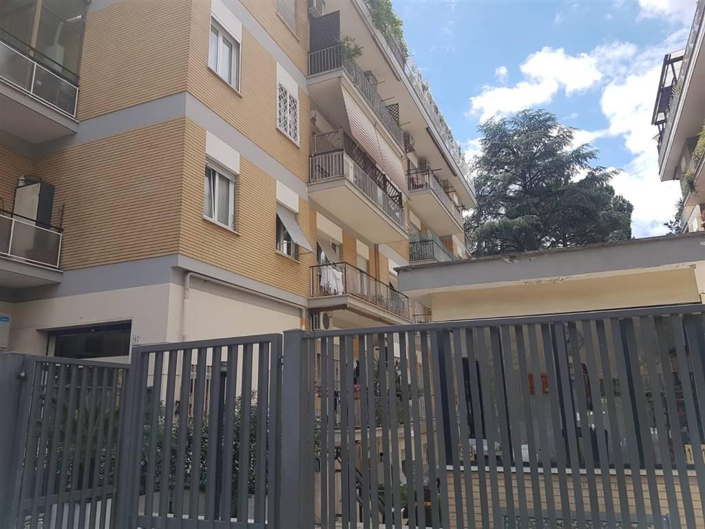Quadrilocale in Via Piero Foscari, Nuovo Salario, Prati Fiscali, Colle Salario, Roma