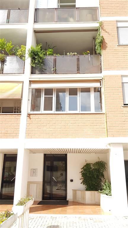 Trilocale in Via Franceso Sapori  21, Eur (europa), Laurentino, Montagnola, Roma