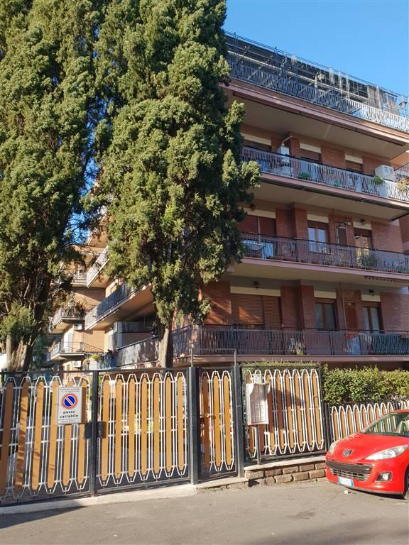 Bilocale in Via Delle Spighe  13, Casilina, Prenestina, Centocelle, Alessandrino, Roma