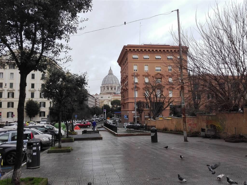 Trilocale in Via Della Stazione Di San Pietro 35, Aurelio,gregorio Vii,ubaldi,san Pietro, Roma