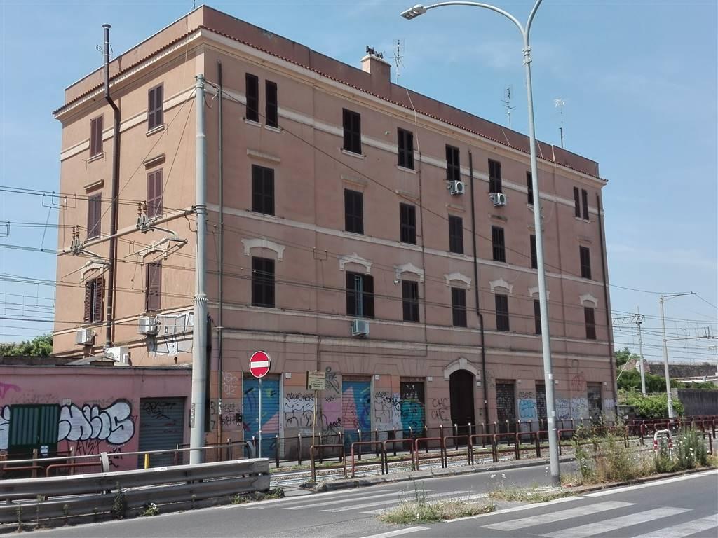 Stanza / Camera in Via Casilina  170, Casilina, Prenestina, Centocelle, Alessandrino, Roma