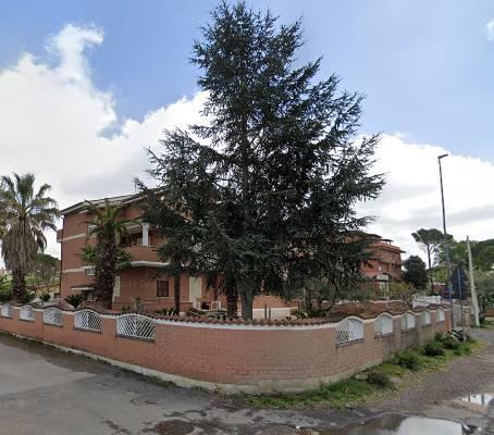 Villino in Via Montanaro 16, Roma