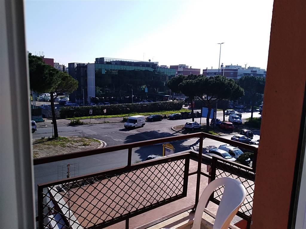 Stanza / Camera in Via Dell'arco Di Travertino 8, Roma