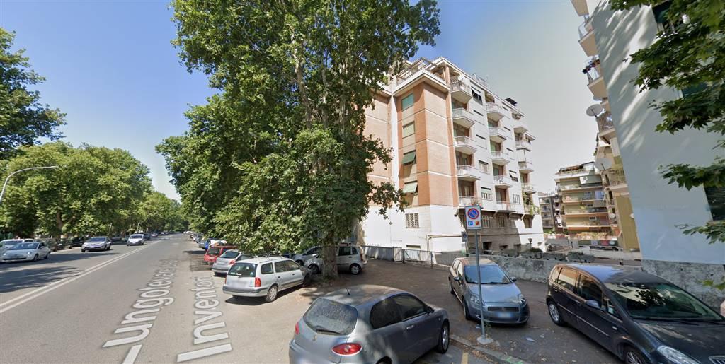 MARCONI, esattamente a Lungotevere Degli Inventori, luminosissimo appartamento di 75 mq, recentemente ristrutturato, l'immobile verrà ritinteggiato e locato ammobiliato. Posto al 5° piano di uno
