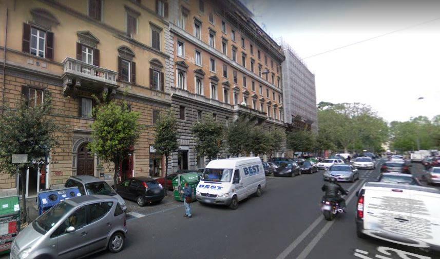 PIAZZA VITTORIO/ESQUILINO precisamente in Via Conte Verde si propone in affitto Locale commerciale C/1 di 20 mq. circa, completamente ristrutturato