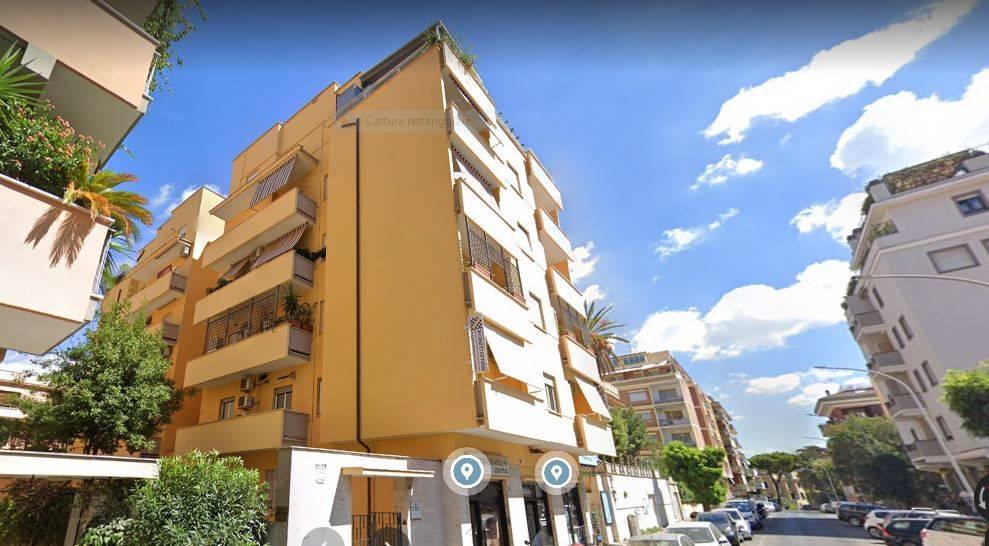 MONTEVERDE Vecchio, adiacente Piazza Rosolino Pilo, esattamente in Via Maurizio Quadrio al piano rialzato di una elegante palazzina completamente