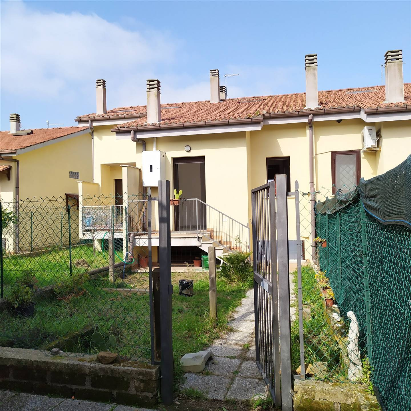DIVINO AMORE, ROMA, Terraced house for rent of 90 Sq. mt., Excellent Condition, Heating Individual heating system, Energetic class: G, composed by: 4 Rooms, Kitchenette, , 1 Bedroom, 2 Bathrooms,