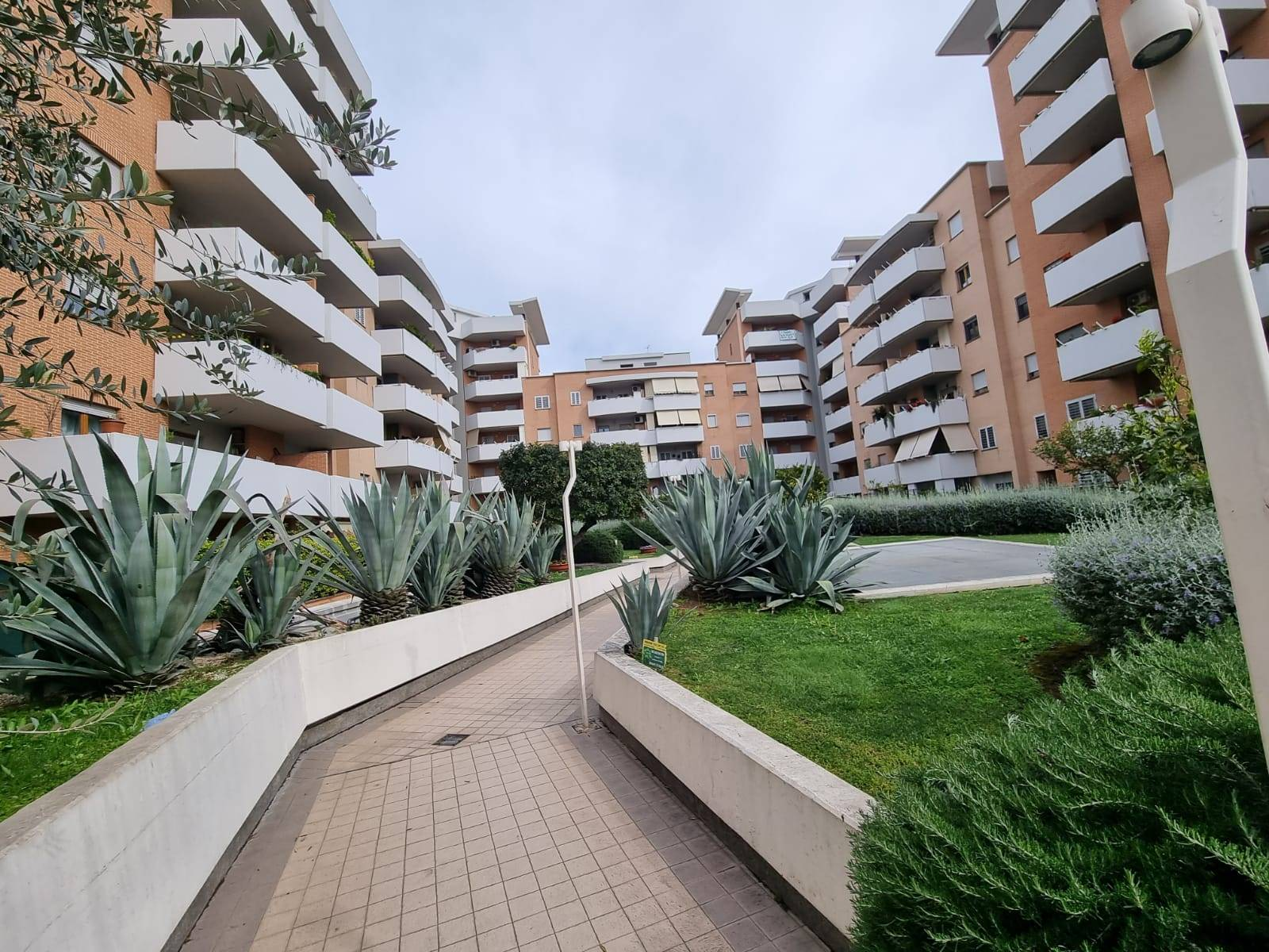 SETTECAMINI, ROMA, Apartment for rent of 45 Sq. mt., Good condition, Heating Centralized, Energetic class: G, Epi: 175 kwh/m2 year, placed at 1° on 6,