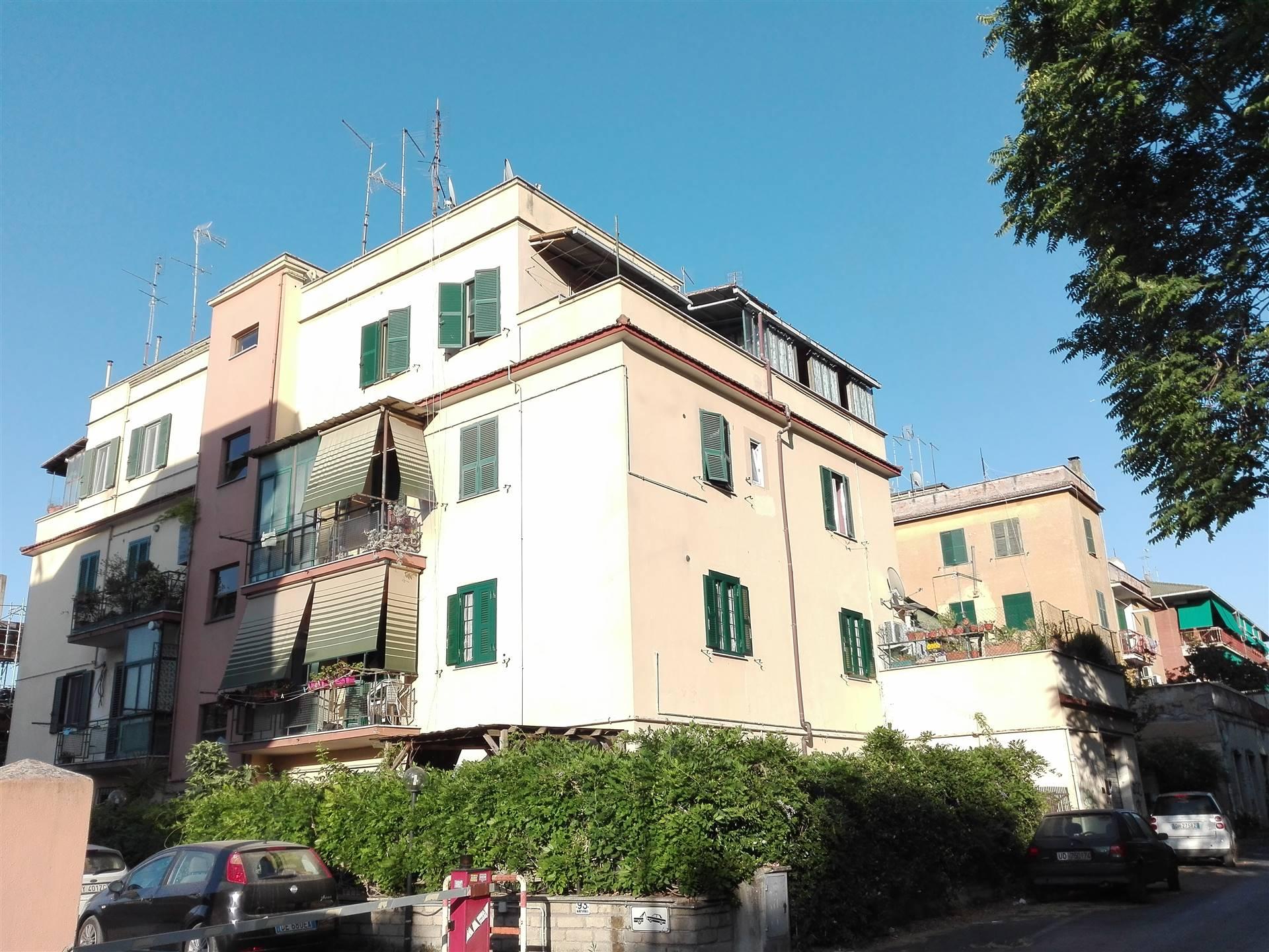 COLLI ALBANI/ARCO DI TRAVERTINO, Stanza/Camera in affitto di 20 Mq, Ottime condizioni, Riscaldamento Autonomo, Classe energetica: G, posta al piano