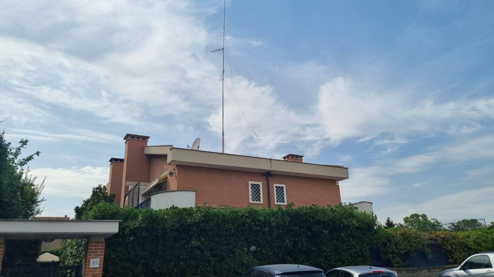 Bufalotta Via Guglielmo Petroni in piccolo stabile proponiamo in affitto delizioso appartamento di 45 mq su due livelli composto da 1° livello
