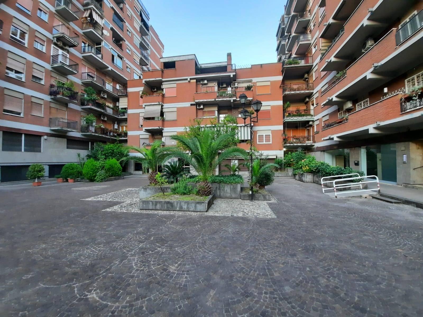 MARCONI, GIANICOLENSE, precisamente in via Quirino Majorana, a pochi minuti dagli ospedali San Camillo, Forlanini e Spallanzani, nonchè