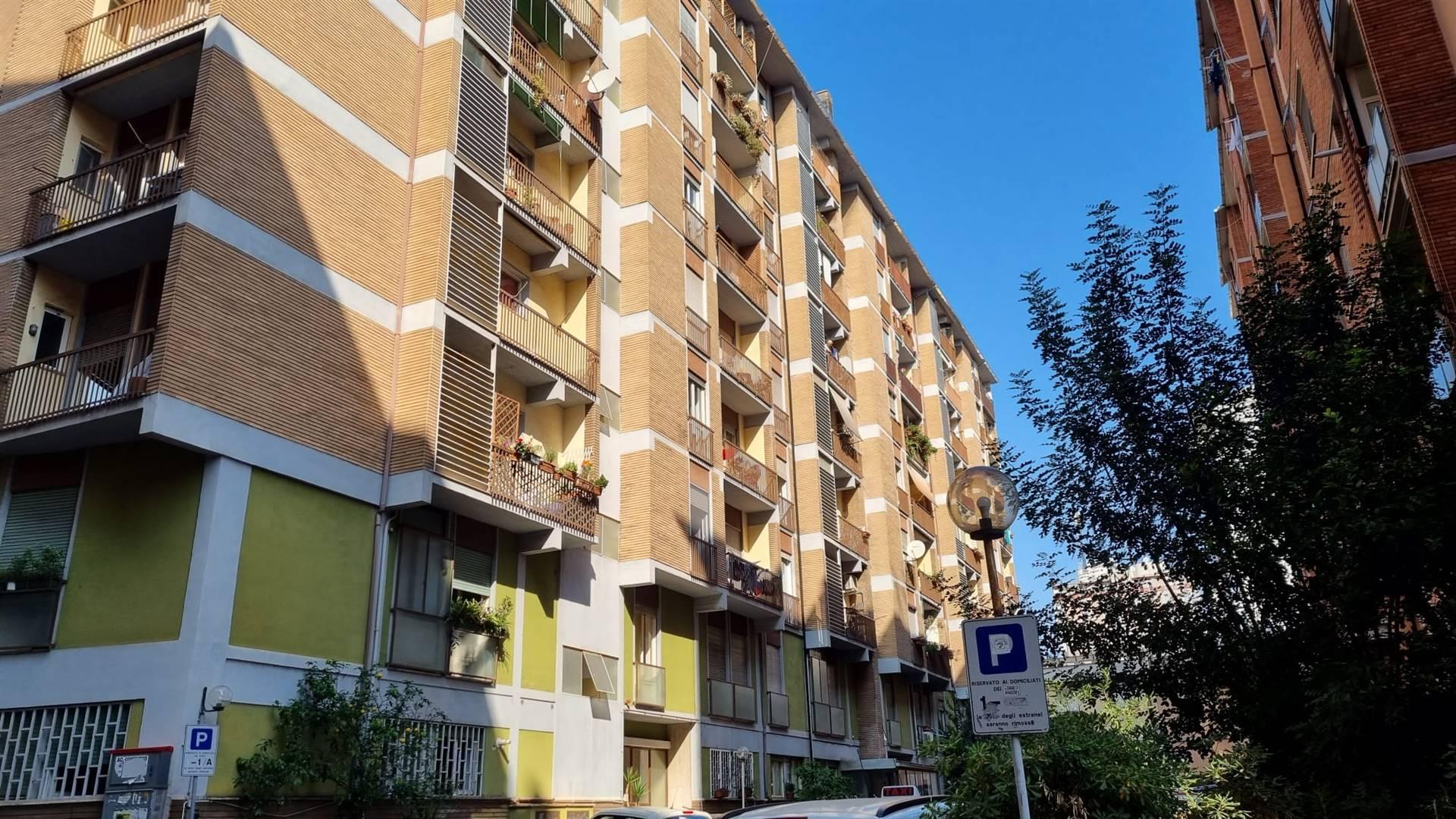 Tiburtina Largo Antonio Beltramelli a 800 mt dalla Metro e dalla Stazione Tiburtina proponiamo in affitto in stabile con servizio di portineria