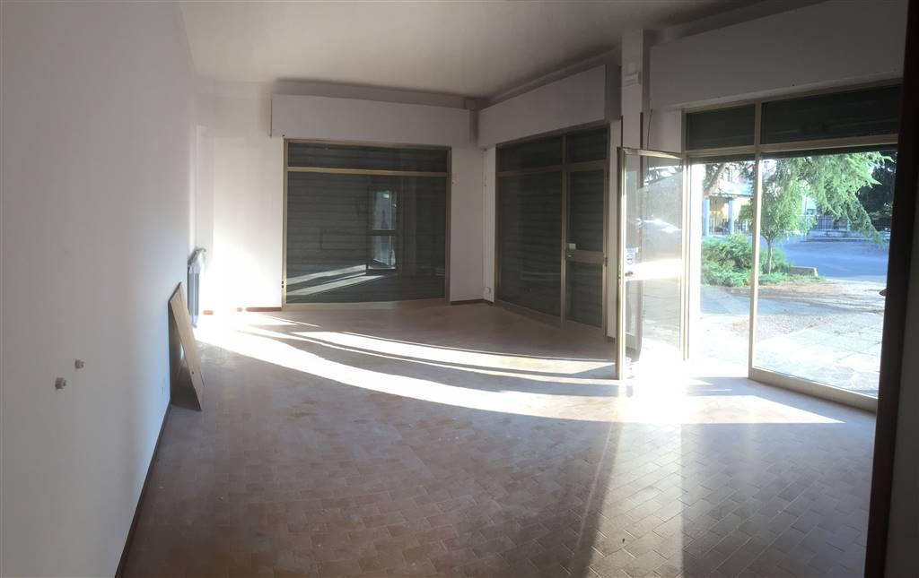 Negozio / Locale in affitto a Curtatone, 3 locali, zona Località: SAN SILVESTRO, prezzo € 500 | CambioCasa.it