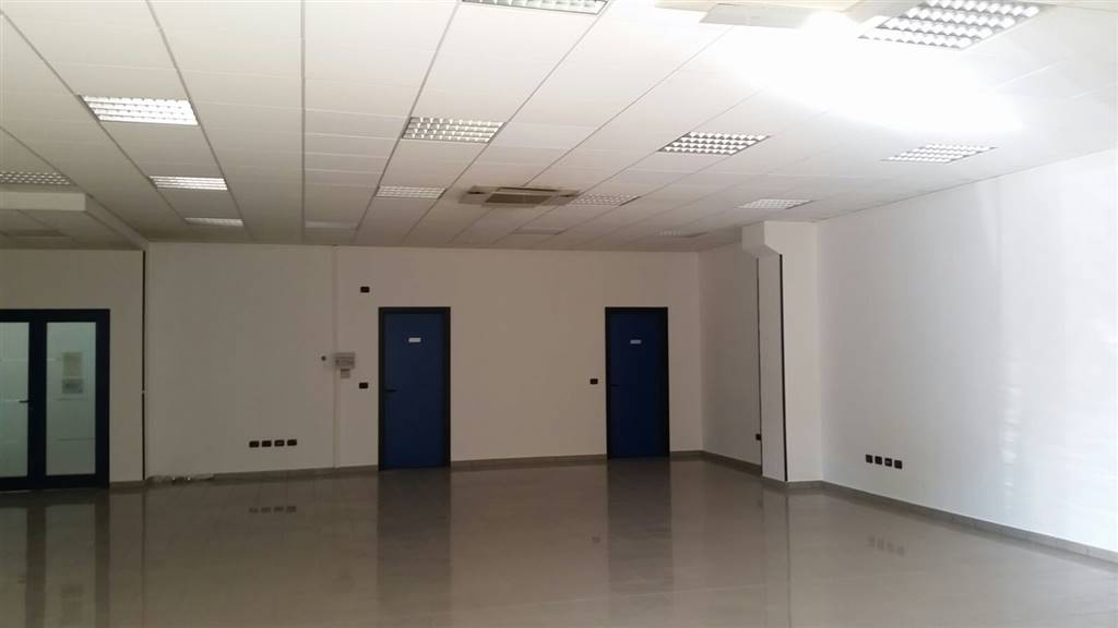 Immobile Commerciale in affitto a Bagnolo San Vito, 1 locali, zona Zona: San Biagio, prezzo € 850 | CambioCasa.it