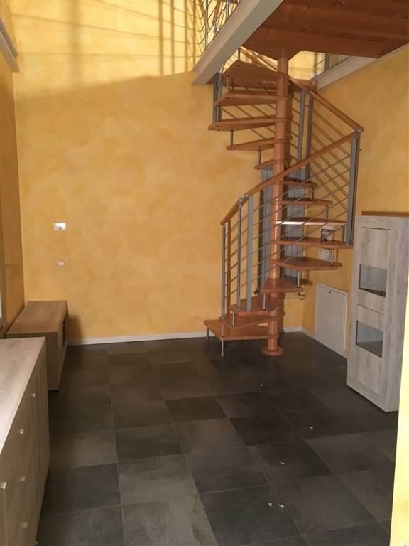Appartamento in affitto a Curtatone, 2 locali, zona Località: BUSCOLDO, prezzo € 400 | CambioCasa.it