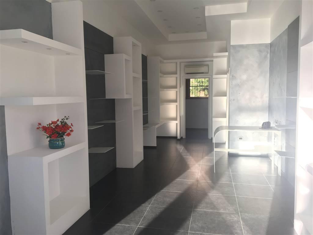 Negozio / Locale in affitto a Borgo Virgilio, 2 locali, zona Località: CERESE, prezzo € 650 | CambioCasa.it