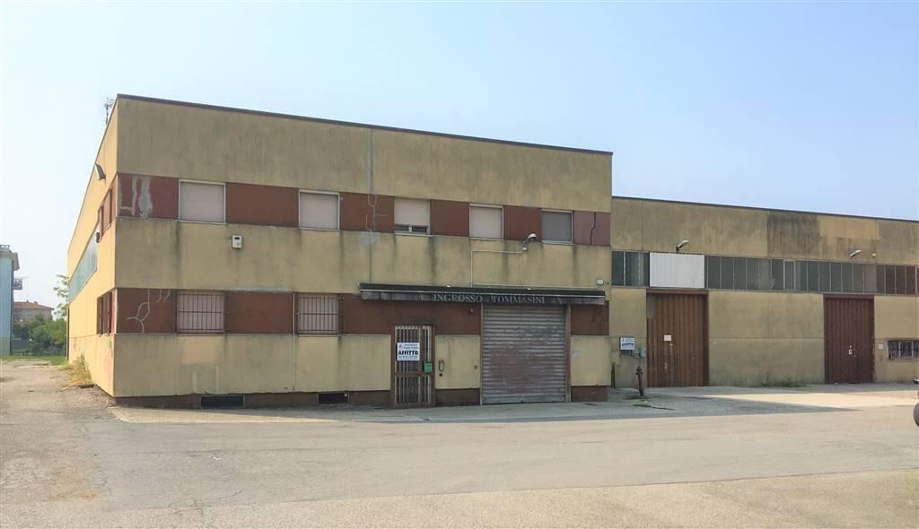 Magazzino in affitto a Borgo Virgilio, 4 locali, zona Località: CERESE, Trattative riservate | CambioCasa.it