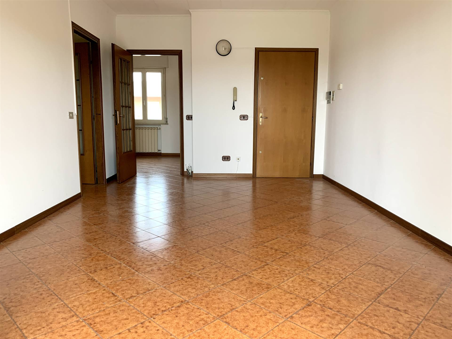 Appartamento in vendita a Bagnolo San Vito, 4 locali, zona Zona: San Biagio, prezzo € 62.000 | CambioCasa.it