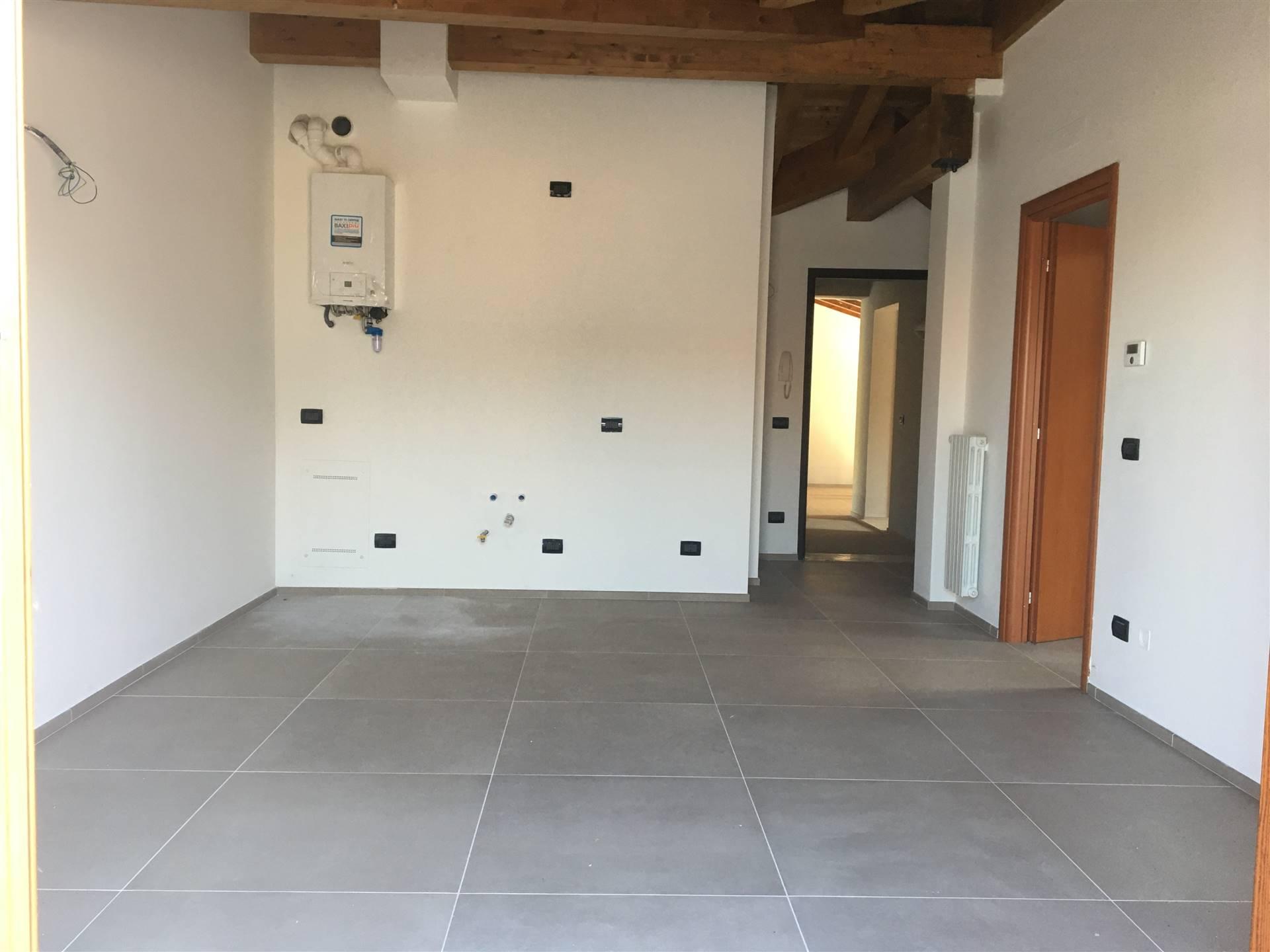 Appartamento in vendita a Bagnolo San Vito, 3 locali, zona Zona: San Biagio, prezzo € 58.000 | CambioCasa.it