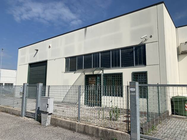 Magazzino in affitto a Porto Mantovano, 3 locali, prezzo € 1.600   PortaleAgenzieImmobiliari.it
