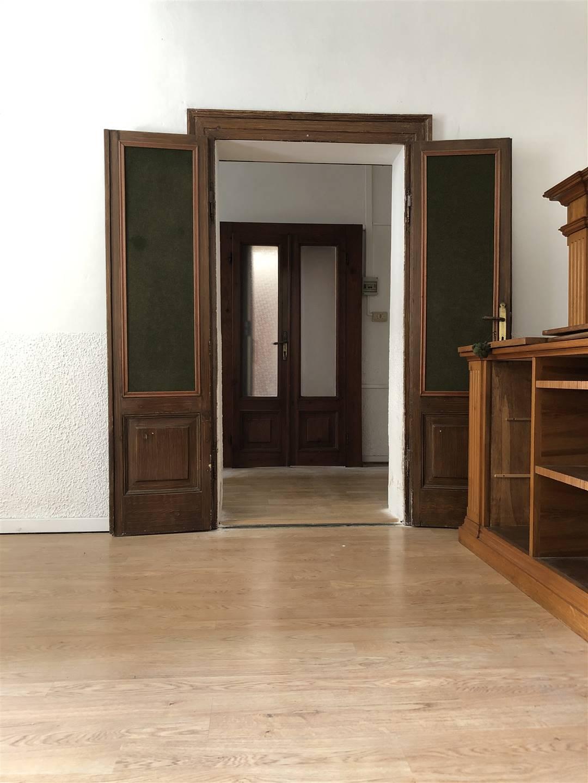 Ufficio / Studio in affitto a Mantova, 3 locali, zona ro storico, prezzo € 500 | PortaleAgenzieImmobiliari.it