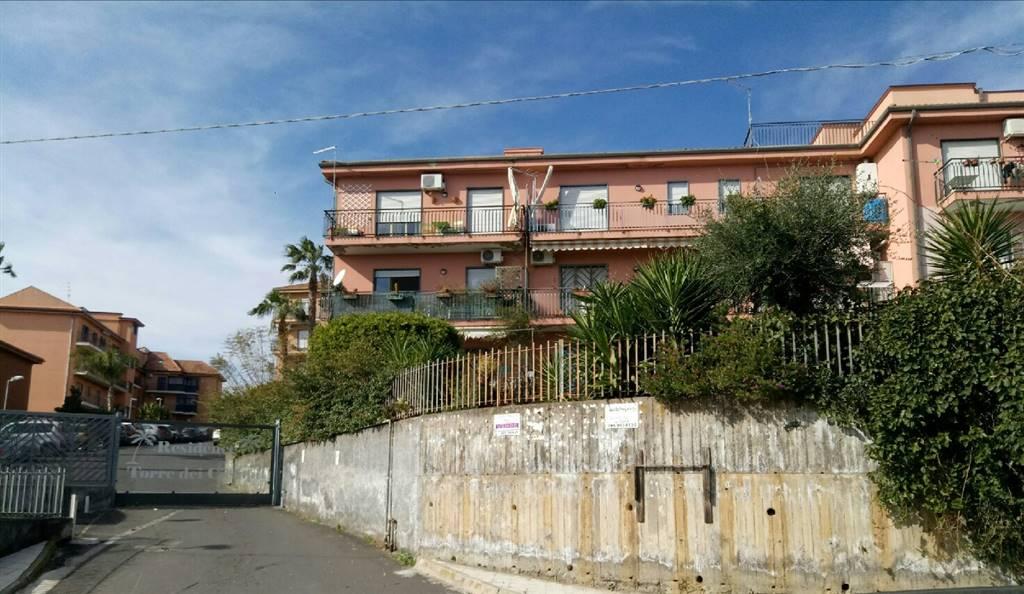 Trilocale in Via Dei Ciclopi 160, Aci Catena