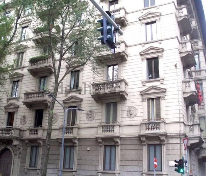 Appartamento in affitto a Milano, 7 locali, zona Località: MONFORTE, prezzo € 3.000 | CambioCasa.it
