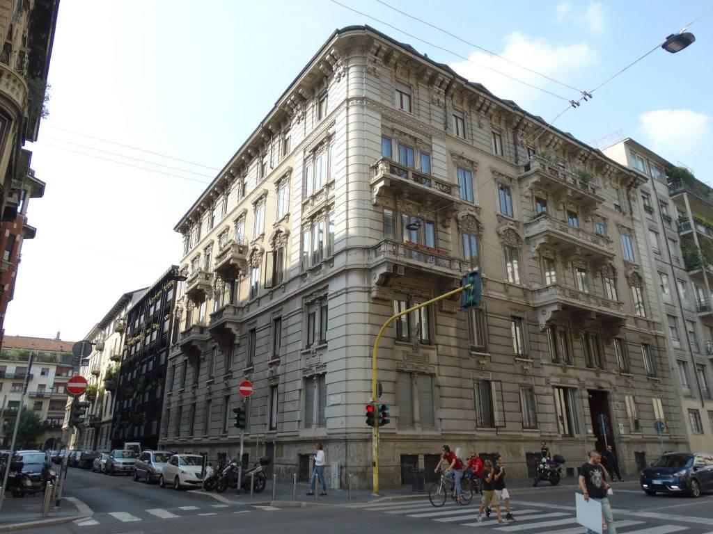 Negozio in Carducci 0, Milano