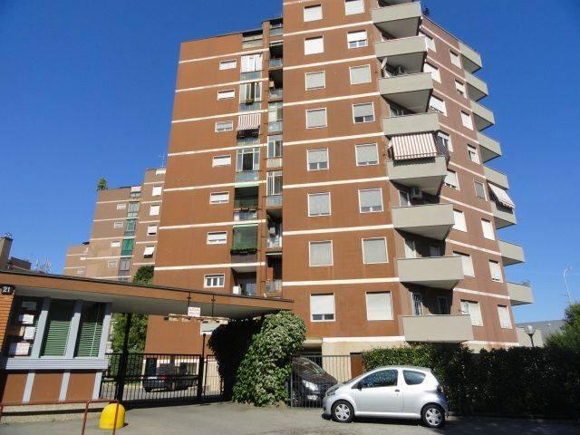 Appartamento in affitto a Trezzano sul Naviglio, 3 locali, prezzo € 850 | CambioCasa.it