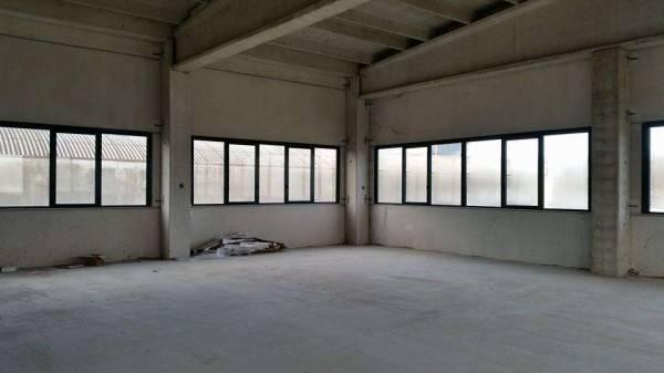 Capannone in vendita a Lacchiarella, 9999 locali, zona Località: METTONE, prezzo € 400.000 | PortaleAgenzieImmobiliari.it