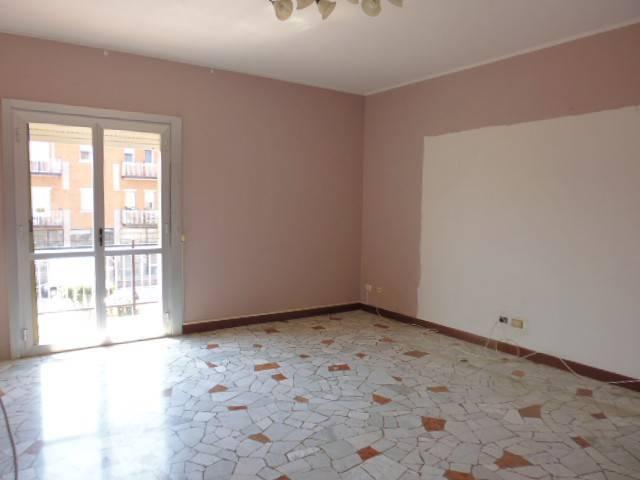 Appartamento in vendita a Gaggiano, 3 locali, prezzo € 165.000 | CambioCasa.it