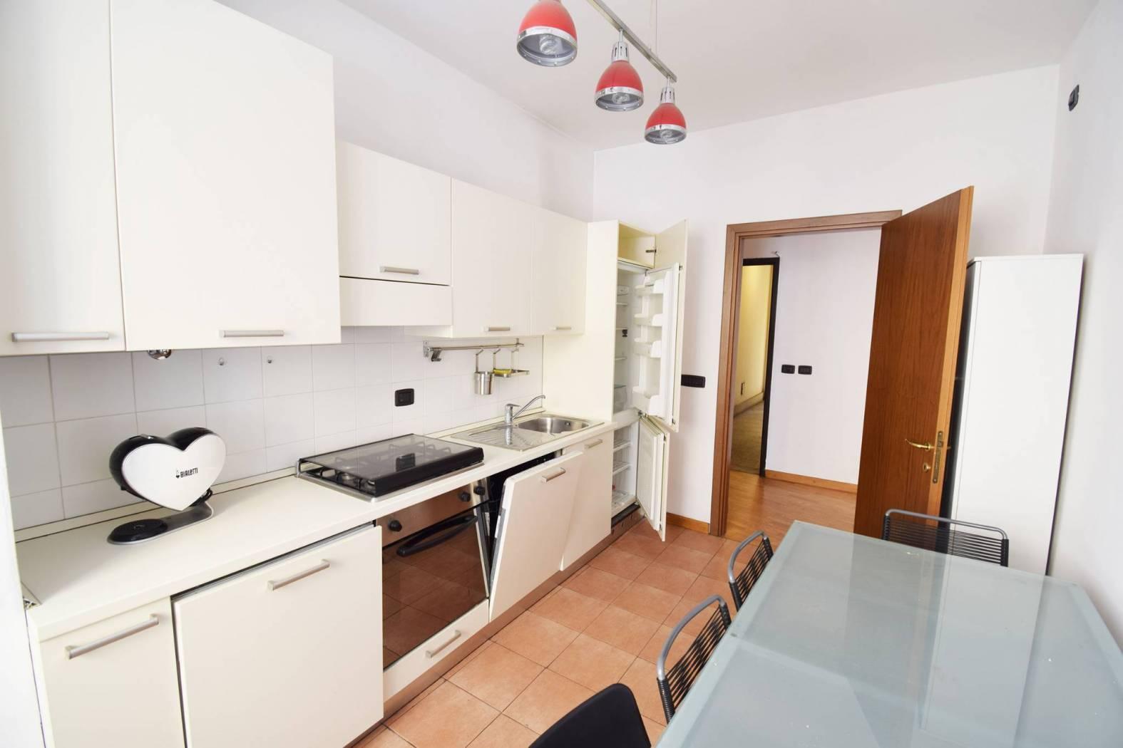 Appartamento in affitto a Milano, 2 locali, zona Località: DUOMO, prezzo € 1.500 | PortaleAgenzieImmobiliari.it