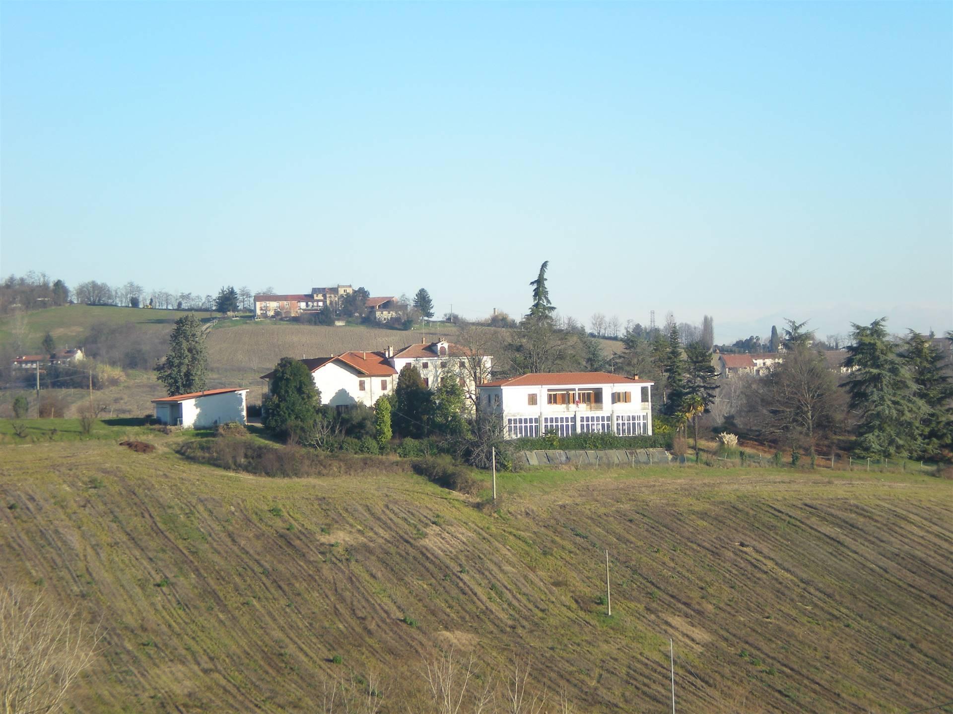 Rustico / Casale in vendita a San Giorgio Monferrato, 20 locali, prezzo € 390.000 | PortaleAgenzieImmobiliari.it