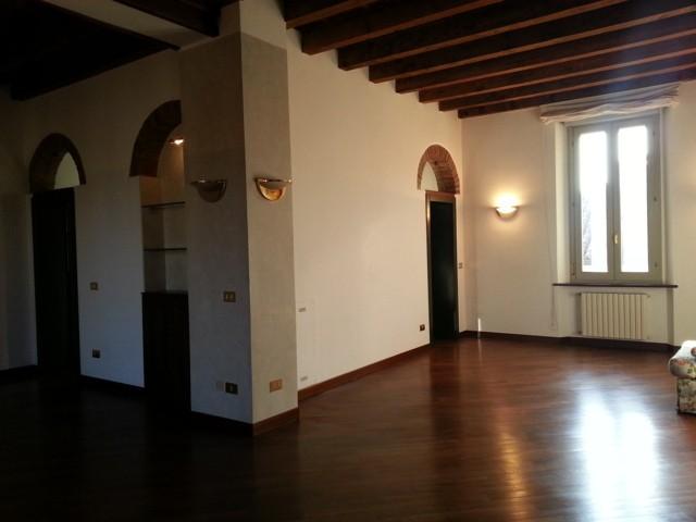 Appartamento in Via Fissiraga  3, Centro, Lodi