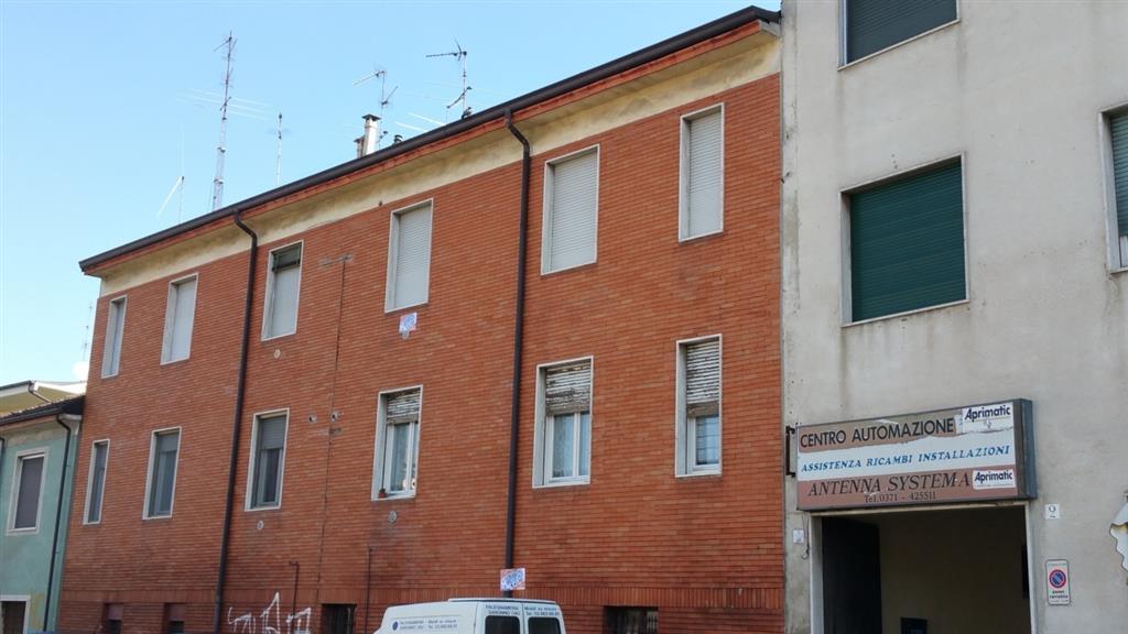 Bilocale in Viale Piave 2, Revellino, Lodi