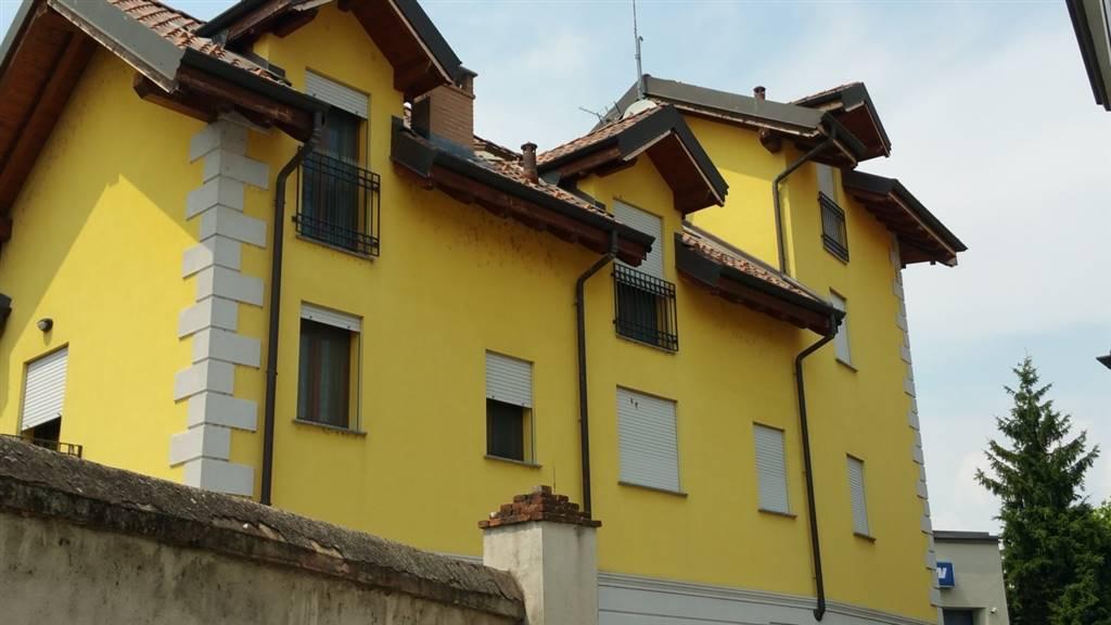 Bilocale in Via Morti Della Barbina  12/14, Laghi Fanfani, Lodi