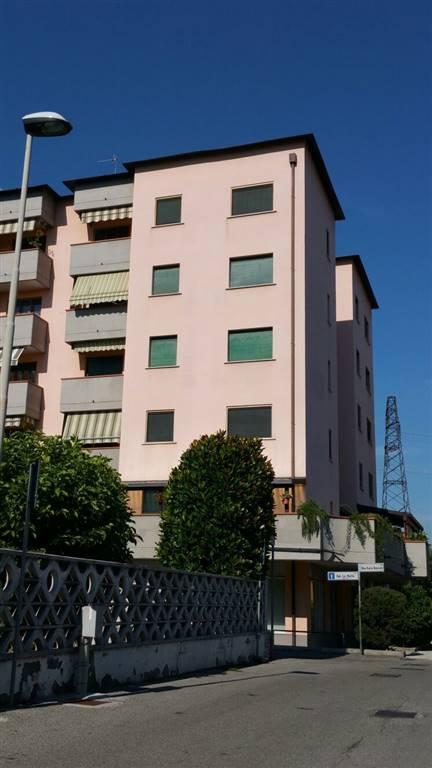 Trilocale in Via Giovanni Bulloni, Faustina, Lodi