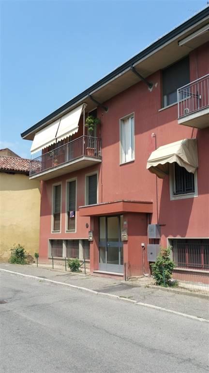Trilocale in Via S.s. Naborre e Felice 6, Lodi Vecchio