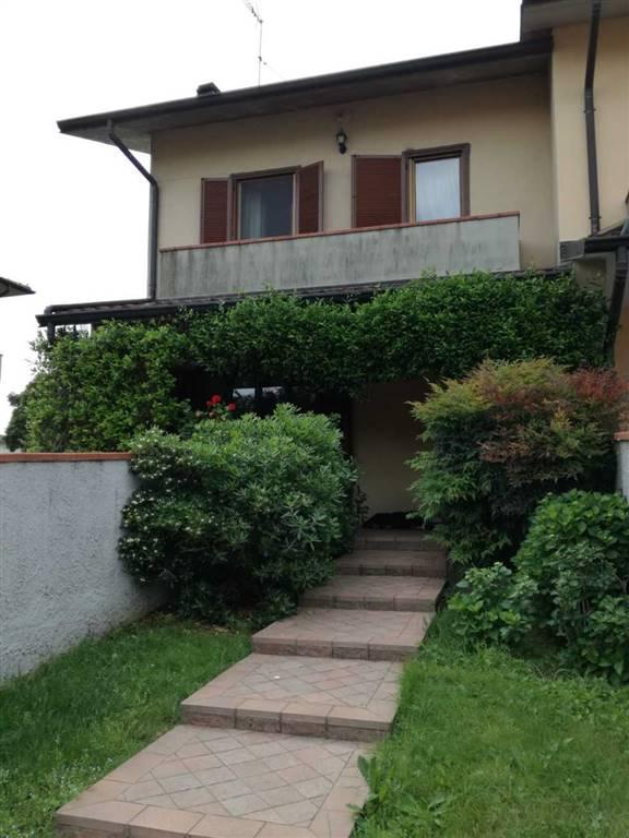 Villa a schiera in Via 4 Novembre 26, Borghetto Lodigiano