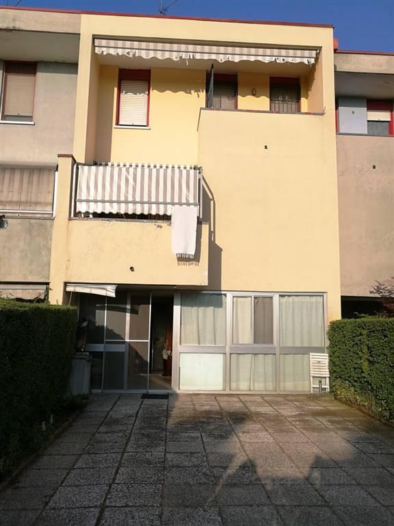 Villa a schiera in Via Martiri Della Libertà 3, Ossago Lodigiano