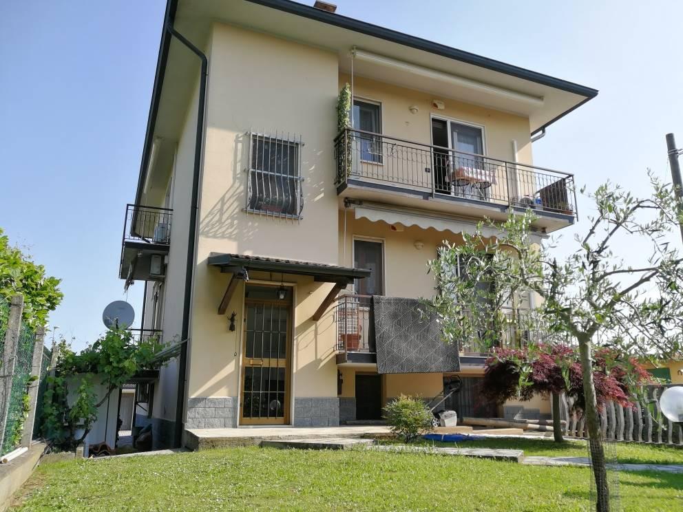 Trilocale in Via Mosè Bianchi 38, Mairago